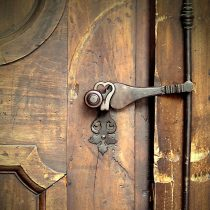 denka doors